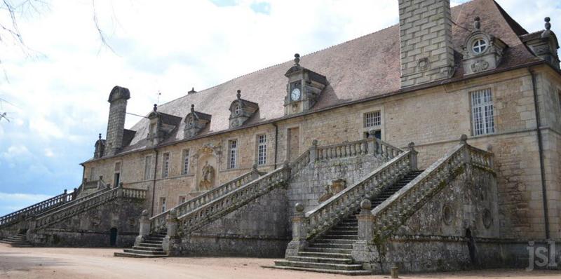 Château de Chaumont Laguiche (Saône & Loire)